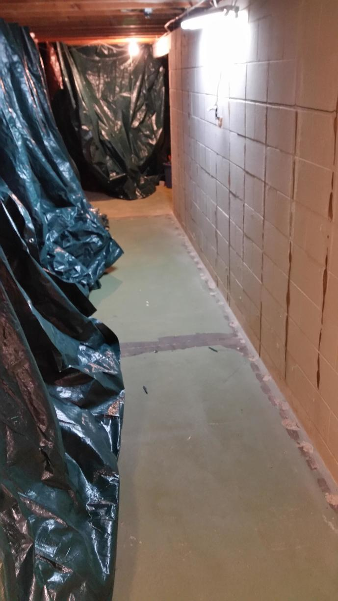 The basement is prepared for waterproofing.