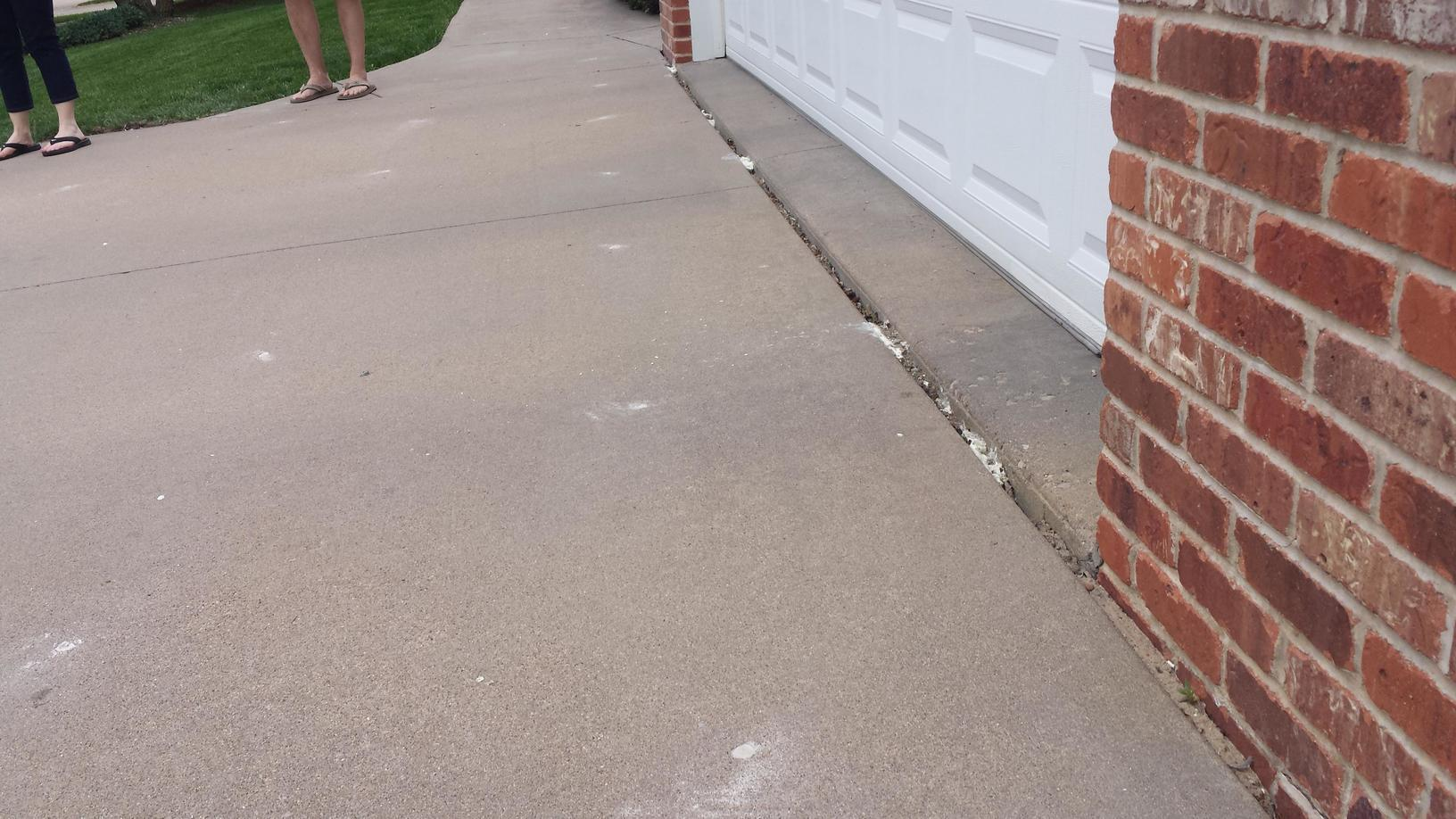 Full view of the lifted driveway.