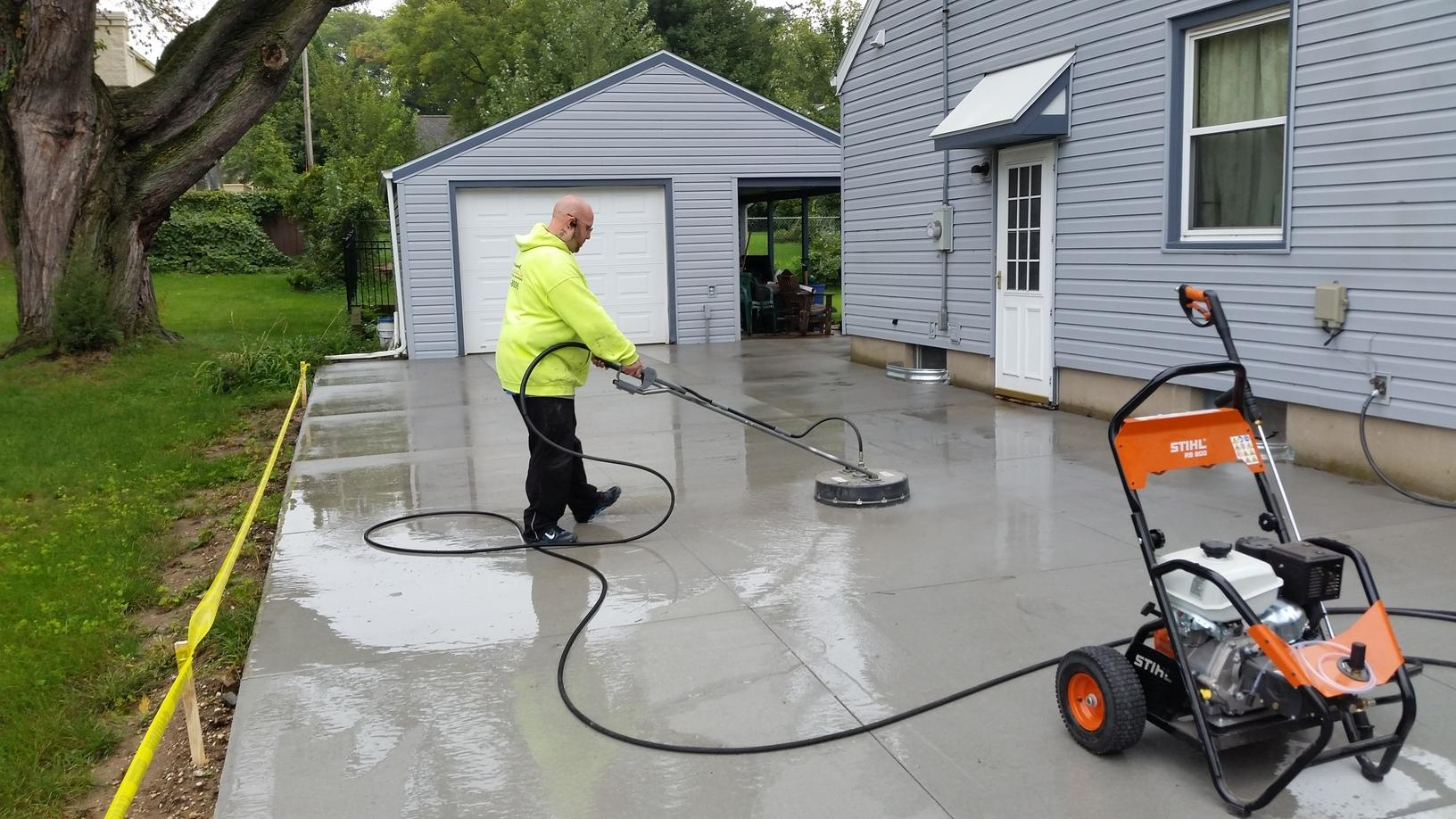 Before the sealing came began the area must be cleaned properly.