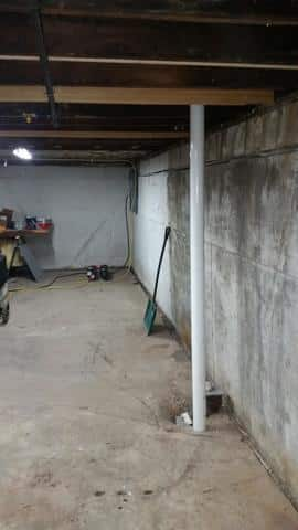 PowerBraces Support Basement Walls in Ottawa, IL - Before Photo