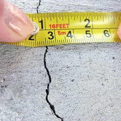 concrete-foundation-crack