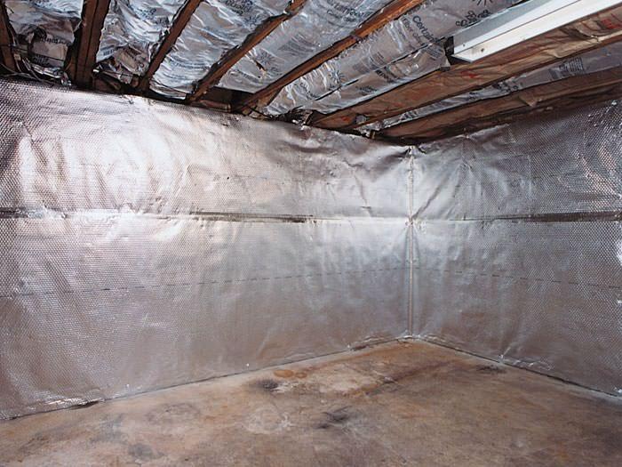 install-radiant-vapor-barrier-wall-04lg