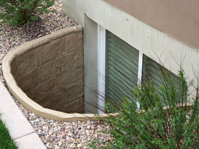 natural-egress-window-access-well-lg