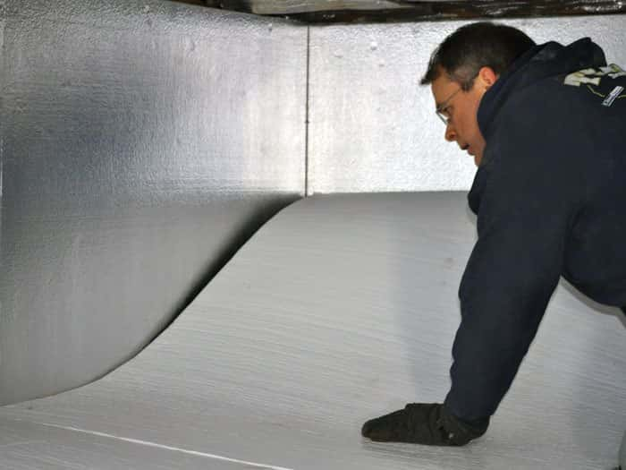 02lg-installing-crawl-space-floor-insulation