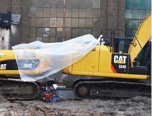 Load test using 50,000 lb. excavatorsas reaction