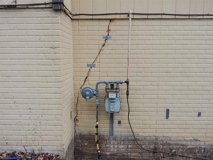 Outside Wall Crack