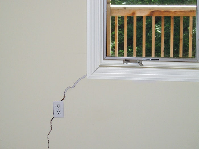 Window Sticking Crack